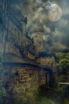 城堡 破败 神秘 暗系