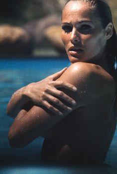 Ursula Andress Ursula Andress, Jeanne Moreau, Katharine Hepburn, Classic Actresses, Beautiful Actresses, Classic Hollywood, Old Hollywood, Divas, Beauty