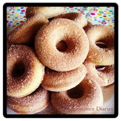 Baked Cinnamon Donuts - this is a thermomix recipe but I think it could easily be done in a mixer with a few changes Thermomix Bread, Thermomix Desserts, Cinnamon Donuts, Baked Doughnuts, Beignets, Donut Tray, Donut Batter, Bellini Recipe, Donut Recipes