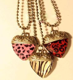 Lovely heart necklace red €7.95