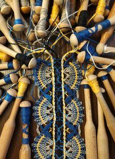 Bobbin Lacemaking, Lace Heart, Lace Jewelry, Tatting Lace, Lace Making, Lace Detail, Needlework, Macrame, Fiber