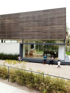 High-Tech Green Family Home in Los Angeles | Dwell