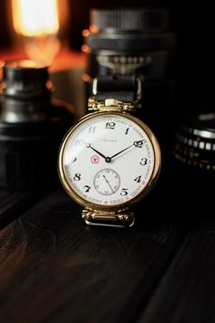 Best Smart Watches, Cool Watches, Watches For Men, Elegant Watches, Beautiful Watches, Antique Watches, Vintage Watches, Husband Gifts, Watch Photo