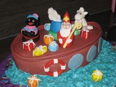 Zie ginds komt de stoomboot, Sinterklaas taart door Cakecompany. Saint Nicolas, Icing, Cake Decorating, December, Cookies, Cakepops, Drinks, Birthday, Desserts