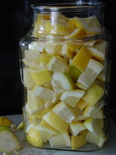 Indian Food Rocks: Lemon Pickle without oil (picture intensive step-by-step recipe) -- LOVE Lemon Pickle -- SOooo Good! Indian Pickle Recipe, Lemon Pickle Recipe, Ketchup, Indian Food Recipes, Healthy Recipes, Indian Snacks, Lime Pickles, Chutney Recipes, Indian Dishes