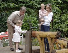 Prince Philippe of Belgium Princess Mathilde of Belgium and their... Nachrichtenfoto 71390818