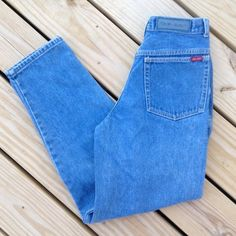 90s VINTAGE BONJOUR HIGH WAISTED MOM JEANS SIZE 10 Vintage Bonjour jeans. High waisted mom style! Super trendy! Size 10 but will probably best fit an 8. Good vintage condition Bonjour Jeans