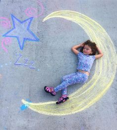- Chalk Earth – The Johnsons' Journey – formidable chalk , drawings , sidewalk paint , chalk art ideas , chalk ideas for kids Toddler Activities, Fun Activities, Trucage Photo, Chalk Photography, Chalk Photos, Chalk Design, Sidewalk Chalk Art, Sidewalk Chalk Pictures, Cool Art Drawings