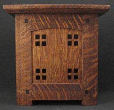 The Bungalow craftsman doorbell cover in quartered oak Craftsman Style Exterior, Craftsman Tile, Craftsman Cottage, Craftsman Interior, Craftsman Furniture, Craftsman Kitchen, Craftsman Homes, Antique Furniture, Art And Craft Design