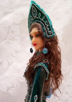 This is not a custom fashion doll, but a OOAK art doll, hand-sculpted. Mistress of Copper Mountain or Malachite Goddess. She would work as a OOAK customized fashion doll...
