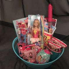 Barbie Theme, Barbie Party, Cute Birthday Gift, Frozen Birthday Party, Princess Doll House, Kids Toys For Christmas, Girl Gift Baskets, Barbie Kids, Baby Shower Baskets