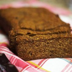 Please note: I've recently posted an updated recipe forthis Vegan Almond Flour Banana Bread. I think the new recipe produces ...