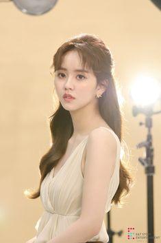Kim So-hyun (김소현) - Picture @ HanCinema :: The Korean Movie and Drama Database Korean Celebrities, Celebs, Kim So Hyun Fashion, Kim Sohyun, Kim Yoo Jung, Girl Artist, Hair Growth Oil, Korean Actresses, Actors
