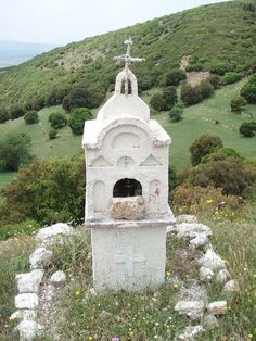 Roadside Shrine by David R. Crowe, via Flickr