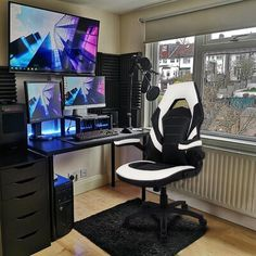 Computer Gaming Room, Gaming Room Setup, Gaming Chair, Cool Gaming Setups, Best Gaming Setup, Gamer Setup, Pc Setup, Desk Setup, Bedroom Setup