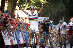 Philippe Gilbert finally gets a win in the Rainbow jersey (and only has to break EBH's heart to do it)