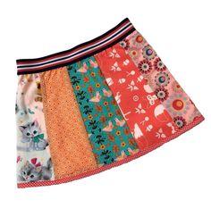Poes - Kinder banenrokje met vrolijke stofjes van retro printjes, vogeltje en poesjes. Het rokje heeft een elastische band en is gevoerd met tricot. Taille 25 cm (rekbaar) Lengte 26 cm