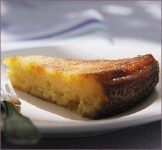 Ingredientes ½ Kg. de Queso blanco rallado y muy fresco ½ Kg. de azúcar 1 taza de leche 6 huevos 1 cda de maicena 1 cdta de vainilla   Prep...