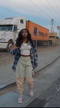 Baddie Outfits Casual, Cute Swag Outfits, Chill Outfits, Dope Outfits, Teen Fashion Outfits, Retro Outfits, Stylish Outfits, Tomboy Fashion, Look Fashion