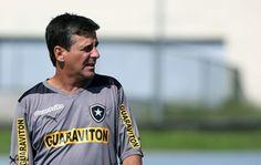 BotafogoDePrimeira: Hungaro admite pressão por vaga: 'Desde  o dia em ...