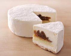 レティシア 塩チーズケーキ#塩味と甘さが絶妙のふんわりチーズクリームと煮込まれたイチジクの相性が抜群のチーズケーキです。 ワインにとてもよく合う大人の為のデザートです。