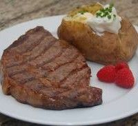 Oven Grilled Sirloin Steak_Delicious and juicy sirloin steak cooked in Flavor Wave turbo oven.
