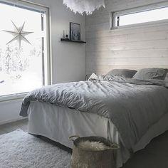 GM from Lapland! ☀️❄️ #goodmorning #finddailyhygge #hygge #bedroomdecor #bedroominspo #sovrum #sovrumsinspo #makuuhuone #skandimodernit #scandinavianhome #skandinaviskehjem #nordiskehjem #interior #interiores #interiør #interior123 #interiorlovers #interior4all #finahem #mynordicroom #etuovisisustus #instahomes #instahome #instablogit #instablogitfinland #finlayson #housedoctordk #kaverinidesigns #iittalanappula