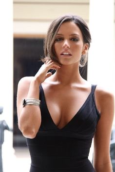 "Genesis Rodriguez, actress in ""Man on a Ledge"""