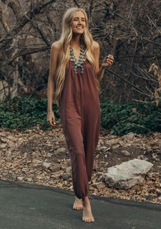 Shop effortless and pretty bohemian women's clothing and accessories. Browse of flattering dresses, boho tops, cozy sweaters, skirts, and kimonos. 70s Outfits, Boho Outfits, Casual Outfits, Cute Outfits, Fashion Outfits, Boho Chic, Mode Hippie, Hippie Style Clothing, Look Boho