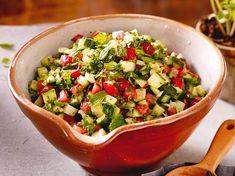 Unser beliebtes Rezept für Tomaten-Gurken-Salat und mehr als 55.000 weitere kostenlose Rezepte auf LECKER.de.
