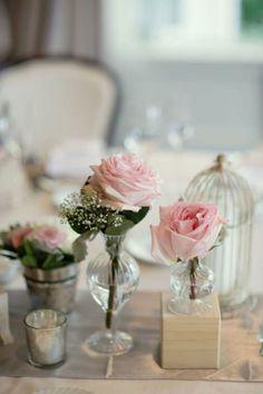 Mucho blanco y colores pastel para la mesa de boda. Boda al Estilo Shabby Chic. Im�genes: Style Me Pretty