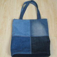 Recy-džínová kostkovaná - Best Sewing Tips Denim Tote Bags, Diy Tote Bag, Denim Purse, Jean Crafts, Denim Crafts, Jean Purses, Purses And Bags, Leather Bags Handmade, Handmade Bags