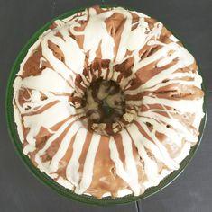 Noora Heikkilä - Pääsiäisen ykkösherkku on rengasvuokaan leivottu Kinderkakku Camembert Cheese, Bakery, Pie, Sweets, Desserts, Food, Kids, Torte, Tailgate Desserts