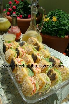 Blog de chezhabiba - Page 27 - Blog de chez habiba - Skyrock.com Moroccan Couscous, Brunch, Muffins, Eid, Pasta Salad, Food Print, Tea Party, Chicken Recipes, Sandwiches