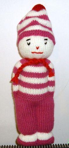 Doudou bonhomme style marin au tricot pour le plaisir des petits et des grands