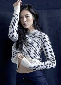 Liu Wen // geometric sweater #style #fashion #knit