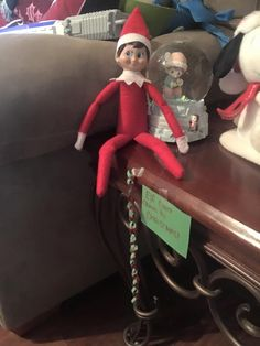 elf on the shelf ideas, Creative & unique elf ideas, miniature countdown chain - check out her other ideas!