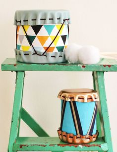 DIY Ideas With Old Tin Cans - Tin Can Drums - Rustic Farmhouse Decor Tutorials and Projects Made With An Old Tin Can - Easy Vintage Shelving, Wall Art, Picture Frames and Home Decor for Kitchen, Living Room and Bathroom - Creative Country Crafts, Craft Ro Kids Crafts, Tin Can Crafts, Diy And Crafts, Toddler Crafts, Diy Gifts For Kids, Diy For Kids, Drums For Kids, Diy Drums, Homemade Instruments