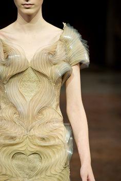 MICRO Haute Couture | Iris van Herpen