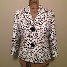 Liz Claiborne jacket Adorable 💖 black and white jacket. Buttons on front. Jacket snaps as seen in 3rd pic.  Great jacket for a night out. 🎊. Size 8P Liz Claiborne Jackets & Coats