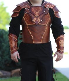 As promised - I have posted my completed set of upper torso leather armor!