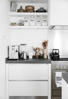 small kitchen space for coffee stuff Kitchen Inspirations, Scandinavian Kitchen, Small Kitchen, Scandinavian Home, My Scandinavian Home, Kitchen Dining Room, Kitchen Dining, Home Kitchens, Kitchen Style