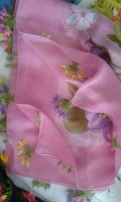çiçek motifli iğne oyası yazma kenar örneği - Kadınlar Sitesi