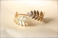 Athena Arm Band, Greek Leaves Arm Cuff, Wrap Around Arm, Flexible Bracelet, Golden Leaves Bracelet, Bridal Jewellery, Bridesmaid, Goddess