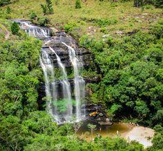 A Cachoeira da Mariquinha localizada a aproximadamente 30 km do centro de Ponta Grossa é uma unidade de conservação possuindo formações de arenito e áreas de mata nativa além da cachoeira no local, que é um ótimo local para relaxar e refrescar. O acesso a cachoeira pode ser feito por duas trilhas de nível leve.