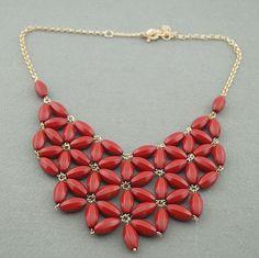 Regalo rojo collar/collar /bubble collar/Handmade babero collar, collar de declaración, colgante babero A23