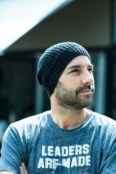 Ravelry: Rafa's Hat pattern by Joji Locatelli ~ FREE pattern Knitting Patterns Free, Free Knitting, Crochet Patterns, Hat Patterns, Free Pattern, Knit Hat For Men, Hats For Men, Crochet Cable, Knitting Projects