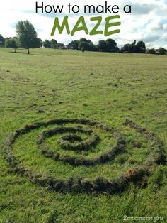 How to make a Grass Maze - kids sensory play activity. Great idea for getting them outdoors and working together to make something fun.