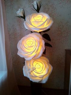 Paper flower wall decor - Discover Art inspiration, ideas, styles MyKingList com Big Paper Flowers, Paper Flower Wall, Giant Paper Flowers, Flower Wall Decor, Paper Roses, Flower Decorations, Large Flowers, Paper Crafts, Diy Crafts