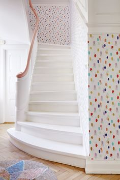 25 Colorful Wallpaper ideas for Interior Design Bright Wallpaper, Wallpaper Ideas, Turquoise Wallpaper, Kids Wallpaper, Hand Painted Wallpaper, Wallpaper Designs, Spotty Wallpaper, Confetti Wallpaper, Playroom Wallpaper